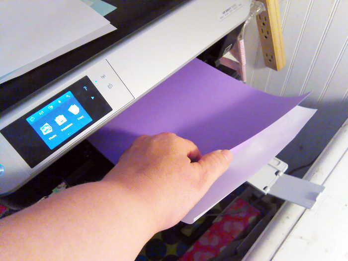 How To Cut Your Own Printable Freezer Paper Sheets to save money and get lots of sheets cut at once!